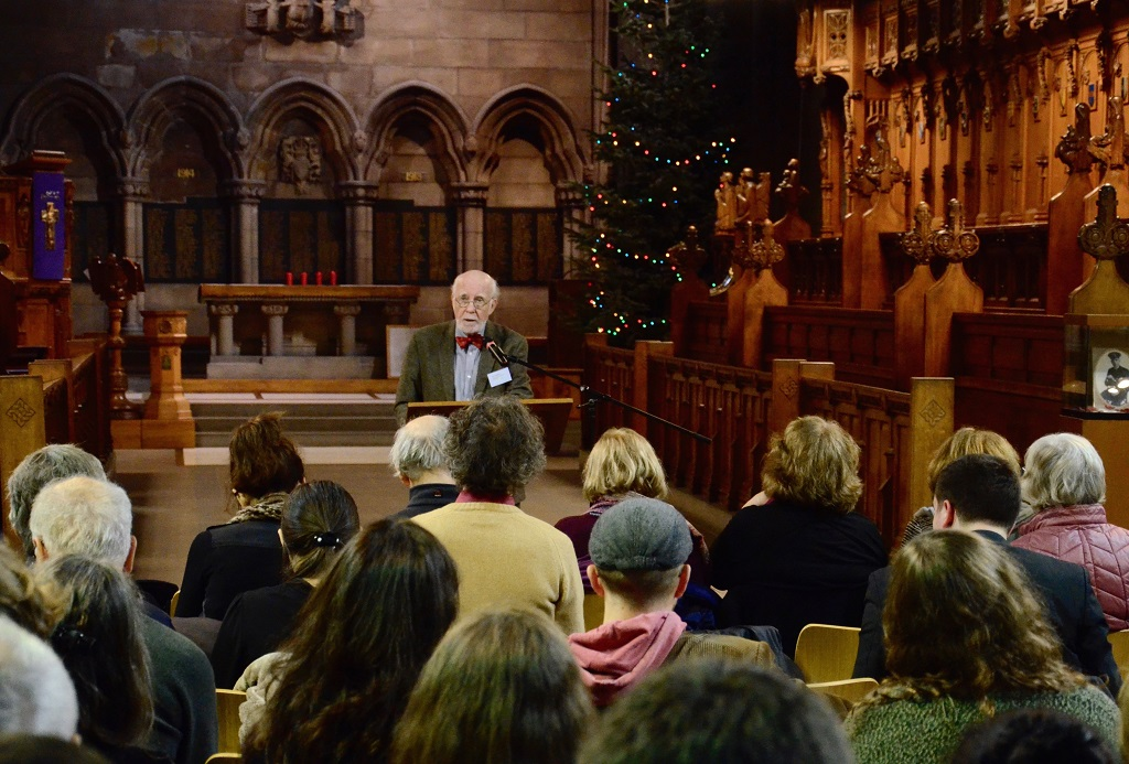 Professor Bernard McGinn in the chapel of Glasgow University delivering the opening keynote: 'The Nothingness of God in Jewish and Christian Mysticism'. Photographer: Pol Hermann
